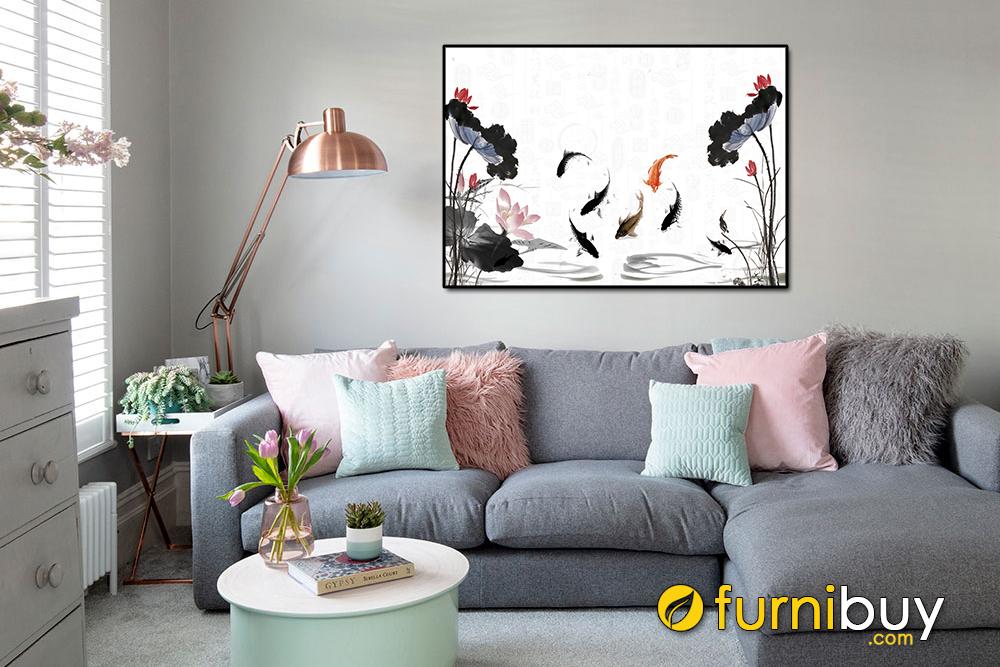 Nét tinh tế nhẹ nhàng của phòng khách với tranh in Cửu ngư quần hội