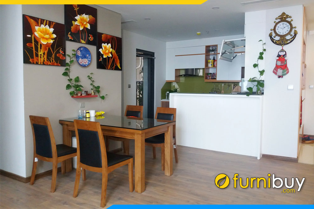 Bộ bàn ăn 4 ghế nệm da kết hợp tranh hoa 3 tấm phòng bếp đẹp