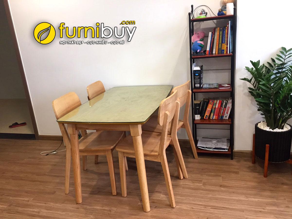 Hình ảnh chụp bộ bàn ghế ăn đẹp giá rẻ mặt kính tại nhà khách hàng