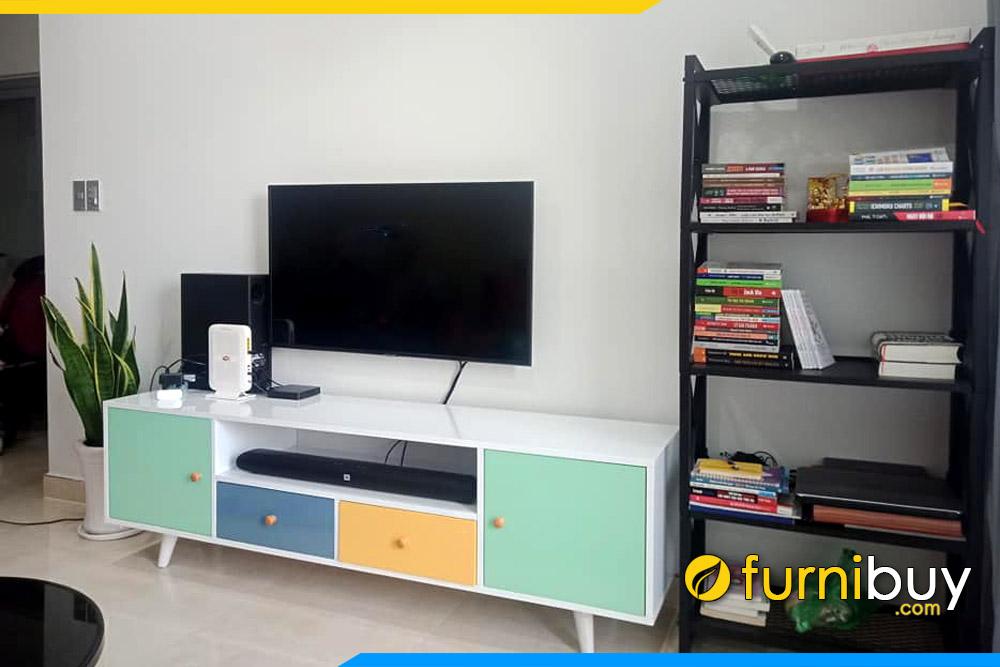 Hình ảnh kệ tivi đơn giản đẹp phòng khách FBK010
