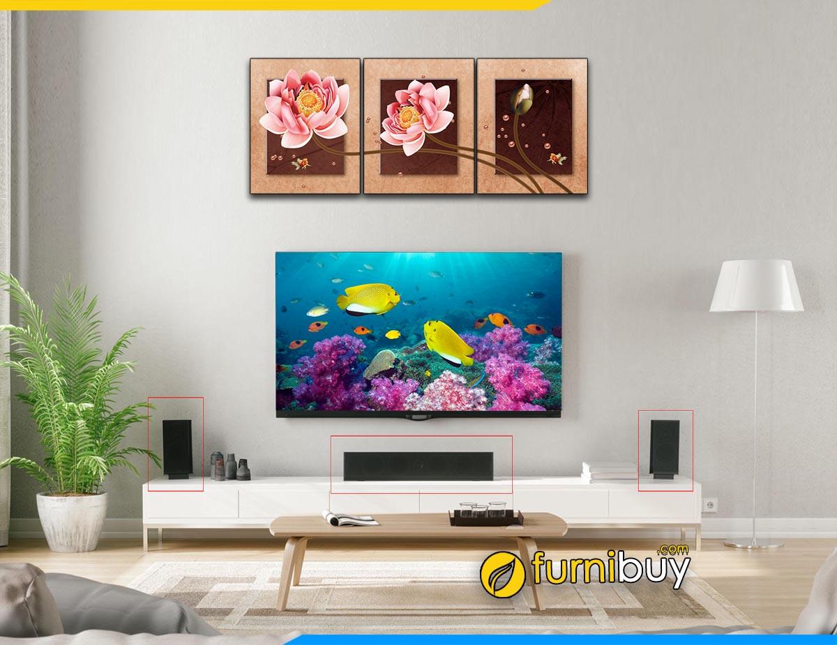 Hình ảnh mẫu kệ tivi gỗ kết hợp bộ loa nhỏ đẹp phòng khách
