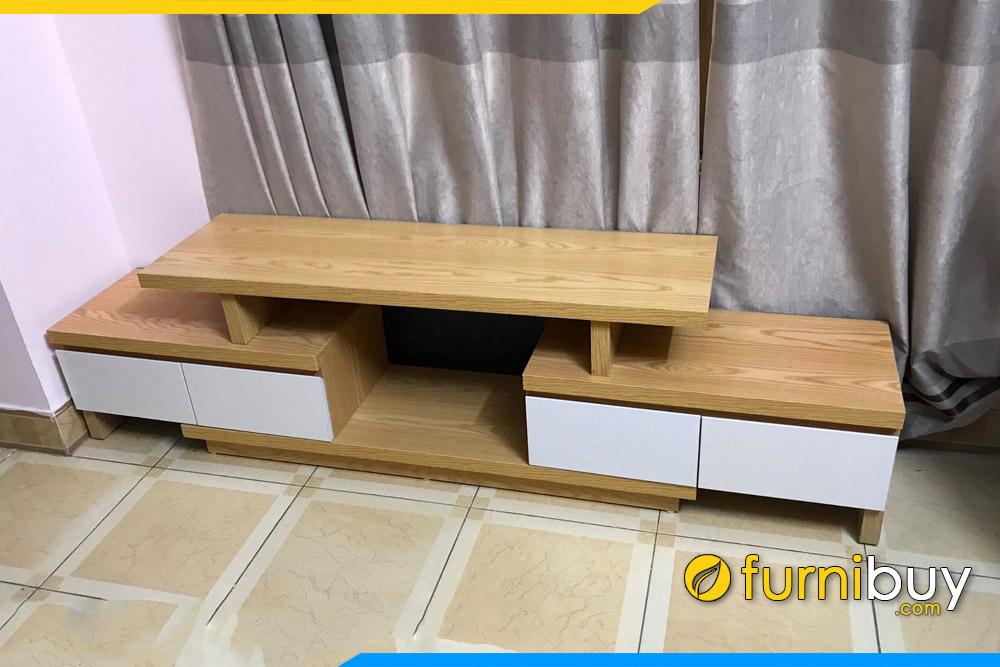 hình ảnh mẫu kệ tivi gỗ mdf phủ sơn venner đẹp rút 2 đầu tại nhà cô Hương