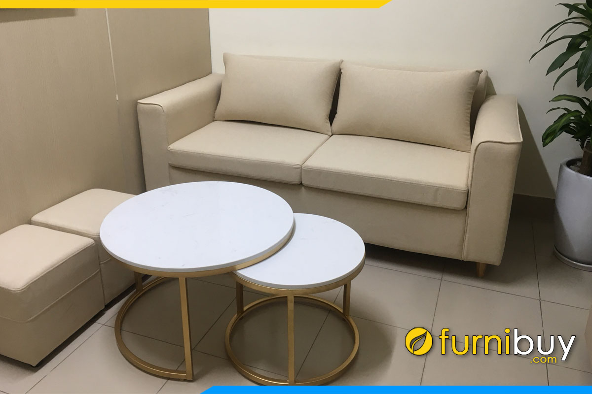sofa van phong dang vang 2 cho ngoi va ban tra