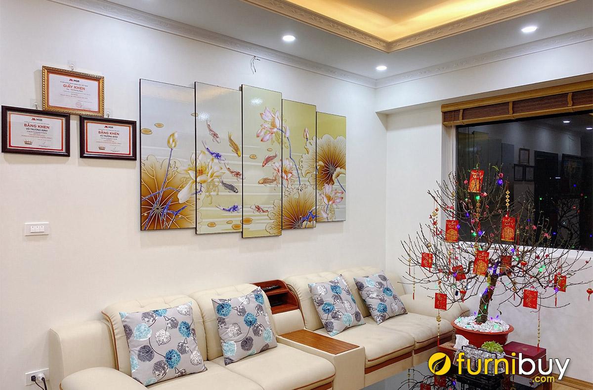 Hình ảnh Tranh cá chép hoa sen treo tường nhà chung cư đẹp