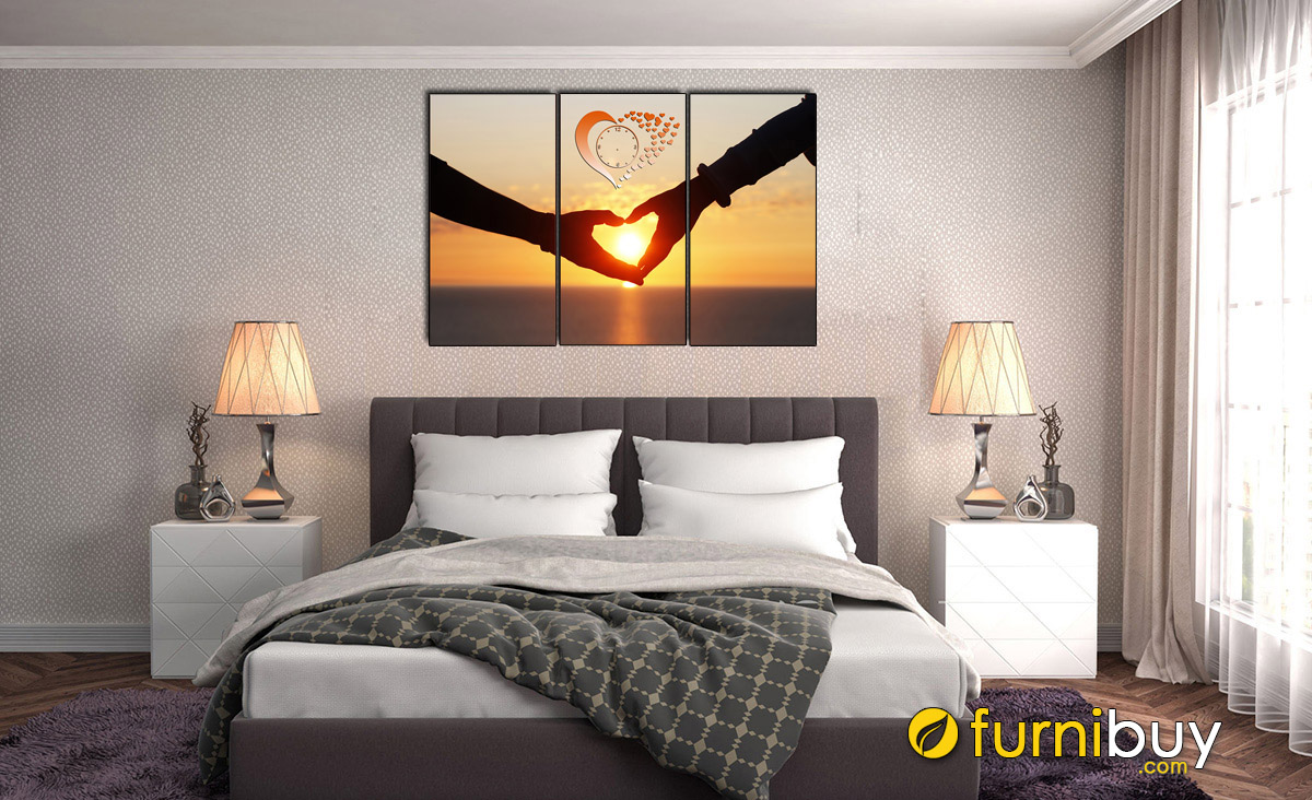 Hình ảnh Tranh đôi bàn tay đan hình trái tim treo tường phòng ngủ lãng mạn