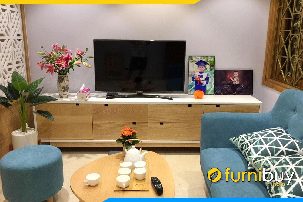 hình ảnh Kệ để tivi phòng khách 2m đơn giản đẹp nhà anh Công