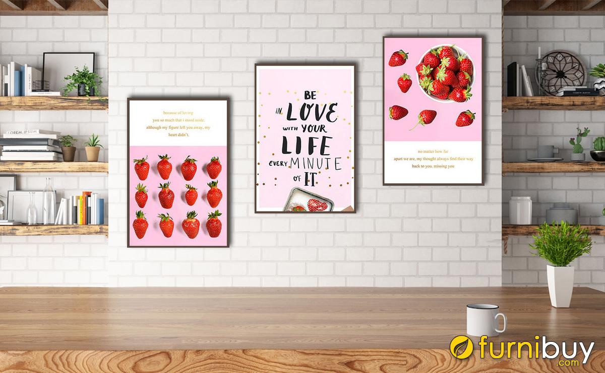Hình ảnh Tranh dâu tây treo phòng ăn đẹp in vải canvas