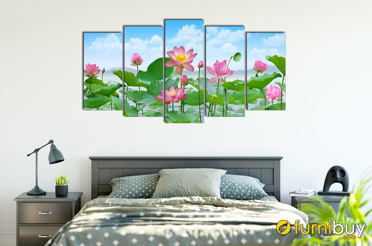 Hình ảnh Tranh hoa sen hành Thủy hợp treo tường phòng ngủ mệnh Mộc mã 915