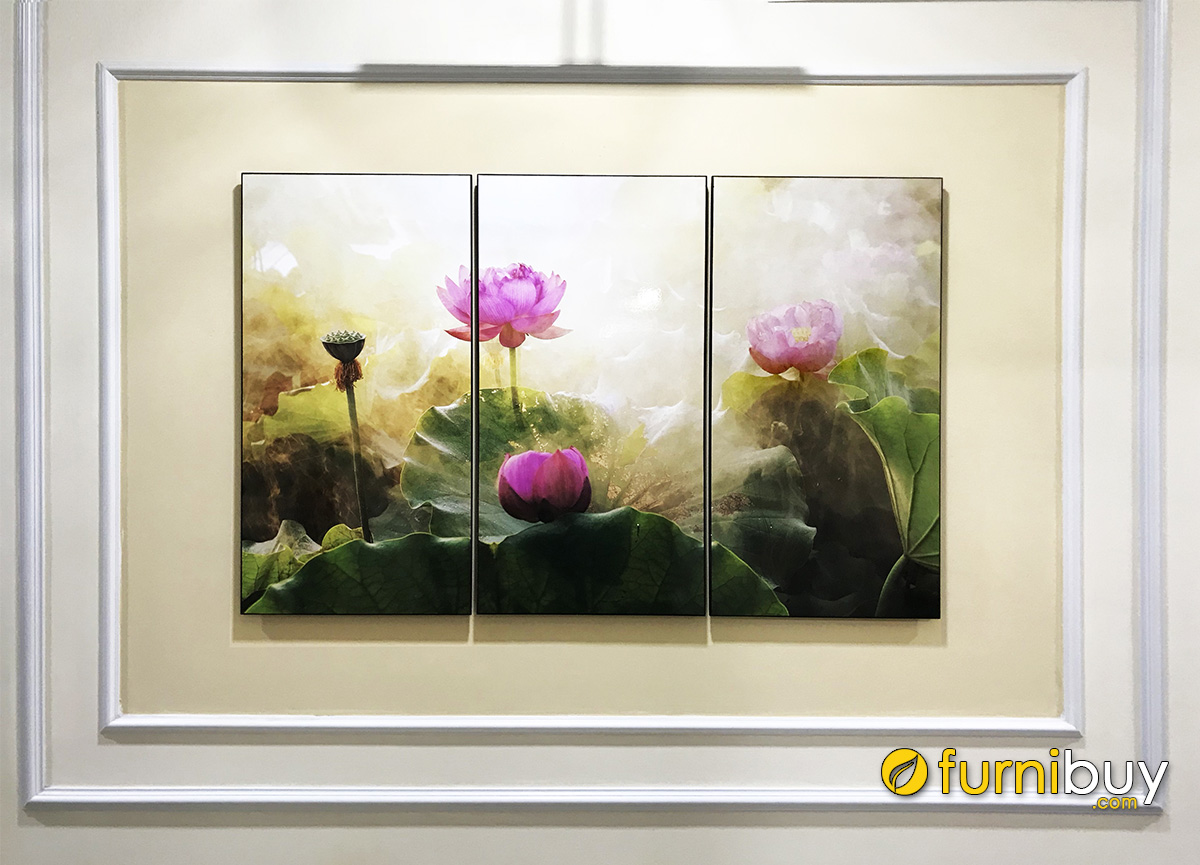 Hình ảnh Tranh hoa sen trang trí ô âm tường phòng khách đẹp