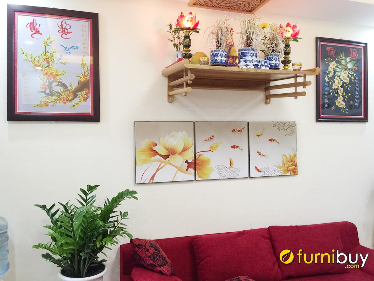 Hình ảnh Tranh treo bàn thờ gia tiên phòng khách chủ đề cá chép hoa sen