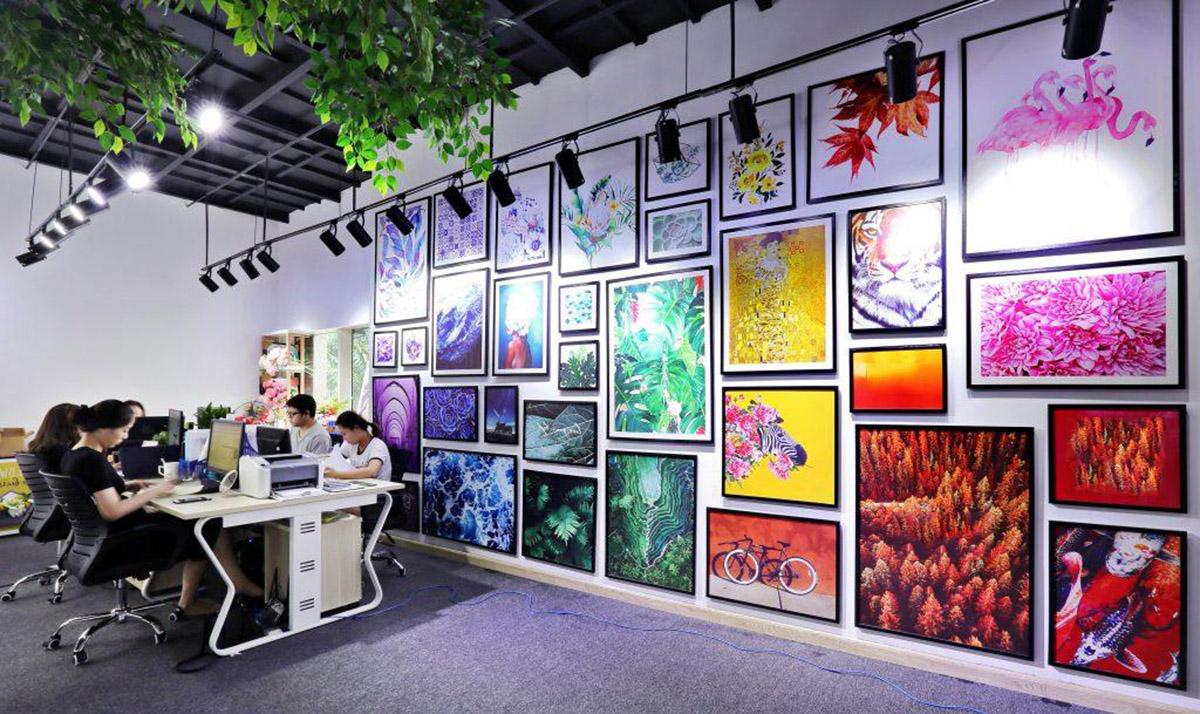 Hình ảnh Không gian cửa hàng tranh canvas Hà Nội - Leo Việt Nam