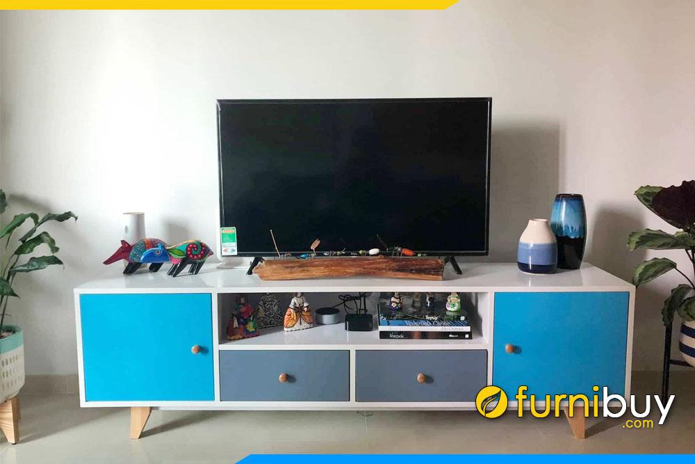 Hình ảnh Tủ kệ tivi đơn giản mà đẹp FBK010 phòng khách