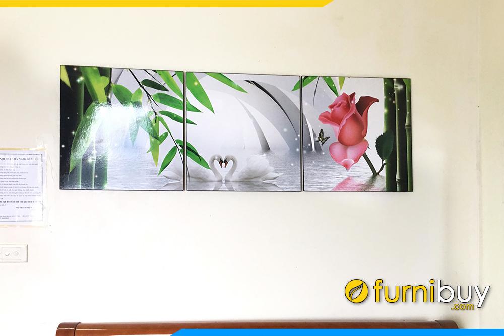Phong ngu nha pho dep uyen uong hoa hong rung truc