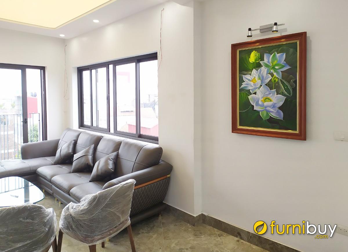 Hình ảnh Bức tranh hoa sen trắng treo tường phòng khách nhà chung cư