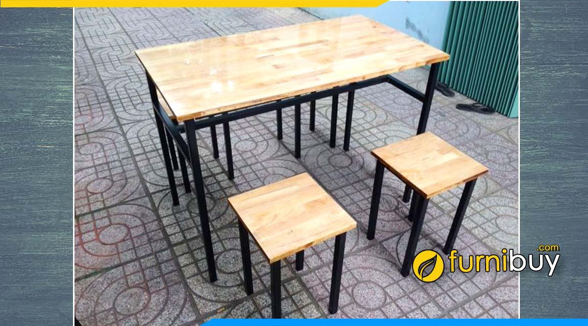 Hình ảnh Mẫu bàn ăn chân sắt mặt gỗ thông giá rẻ