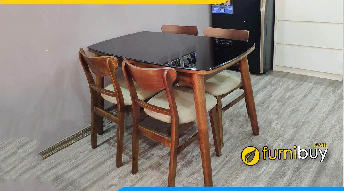 Hình ảnh Bộ bàn ăn 4 ghế gỗ hiện đại tại nhà chị Minh
