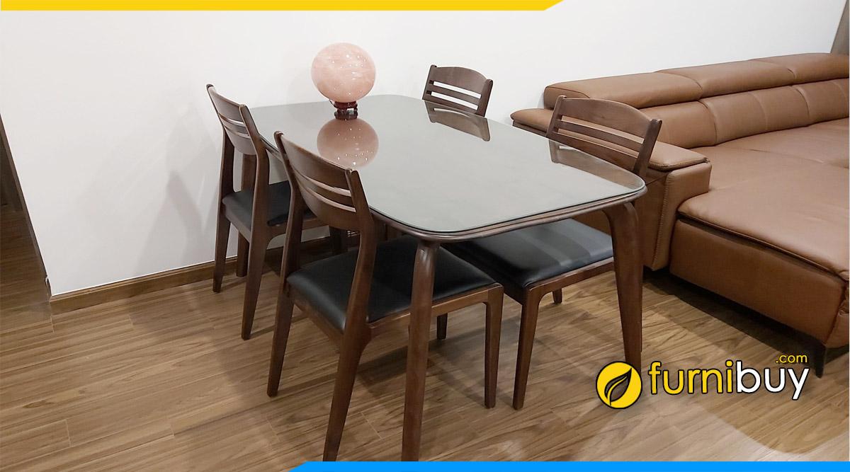 Hình ảnh Bộ bàn ăn 4 ghế gỗ Bắc Âu đẹp tại nhà cô Loan