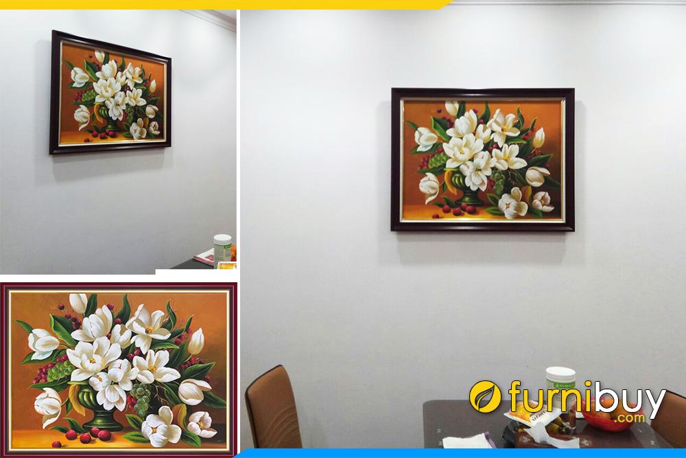 Buc tranh son dau hoa tulip treo phong an chung cu
