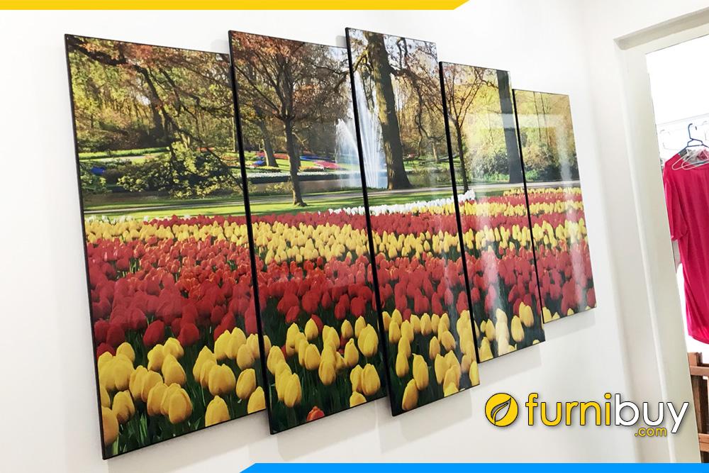 Tranh kho lon treo chung cu hoa tulip dep