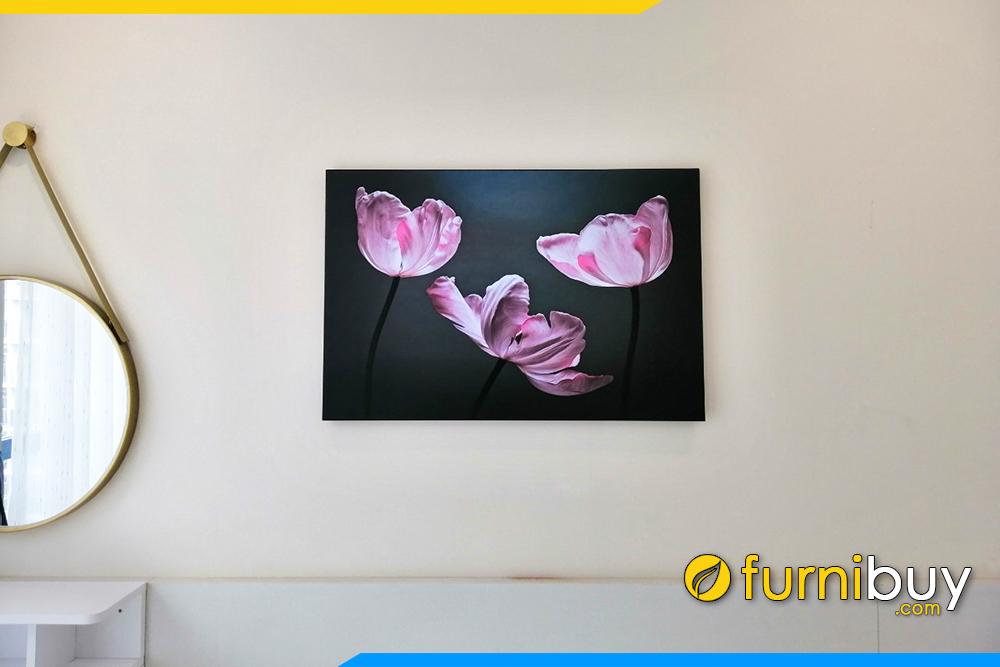 Tranh treo dau giuong ngu hoa tulip kho nho