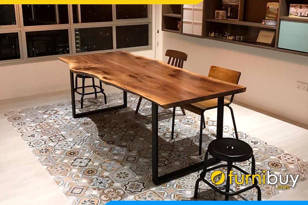 ảnh mẫu bàn ăn gỗ óc chó nguyên tấm chân sắt đơn giản mà đẹp