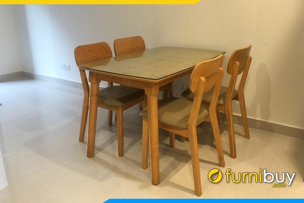 hình ảnh bộ bàn ăn 4 ghế gỗ sồi nhỏ gọn nệm da simili BA023A nhà chị Hương