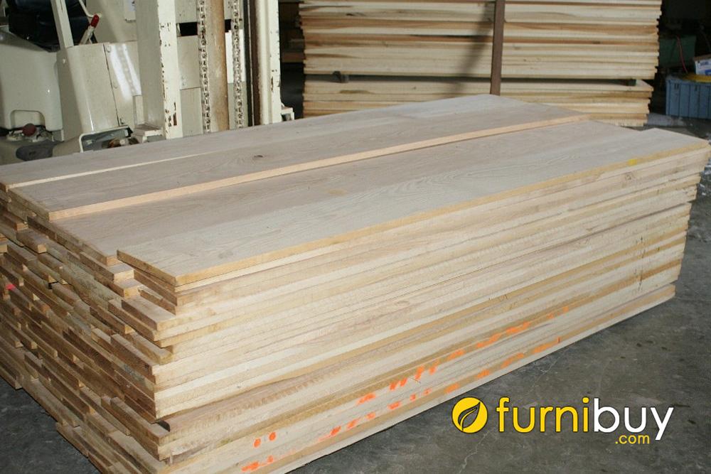so sánh giá bán gỗ sồi nga có đắt không